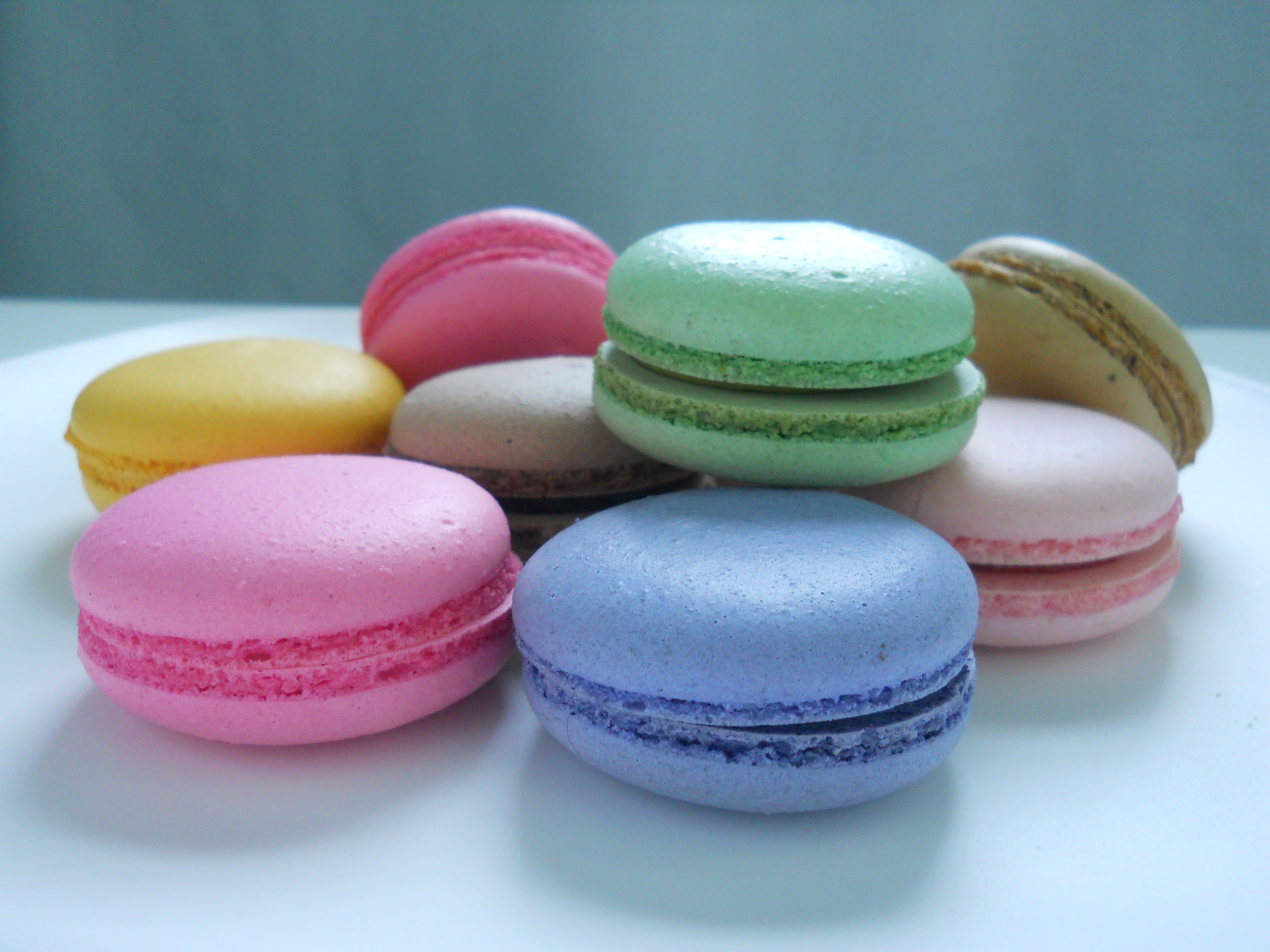 macaron bakery These macarons are amazing dana's bakery has taken the traditional french macaron to a new level by creating uniquely american flavors inspired by classic desserts, pastries, candy and sweet treats.