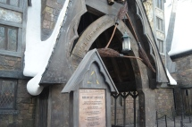 The restaurant: The Three Broomsticks