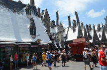Walking around Hogsmeade